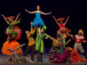 The Peruvian National Ballet presents Alicia in Lima